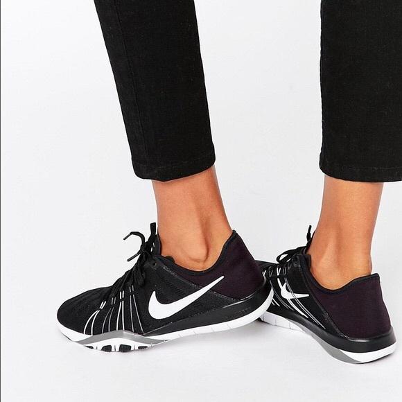 pretty nice 81750 09248 NWOB Nike Free Tr 6 black training shoes sneakers